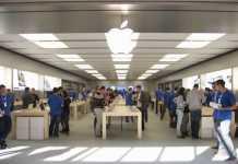 ill détruit un Apple store avec une boule de pétanque